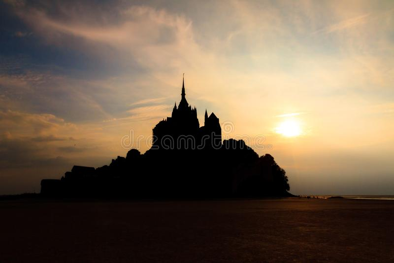 Le scuro Mont Saint-Michel immagini stock libere da diritti