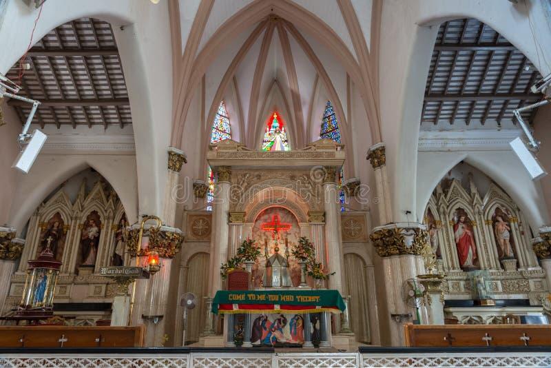 Le secteur d'autel de choeur de la cathédrale de St Mary à Bangalore. photographie stock libre de droits