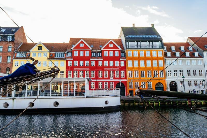 Le secteur de Nyhavn est l'un des points de repère les plus célèbres à Copenhague images stock