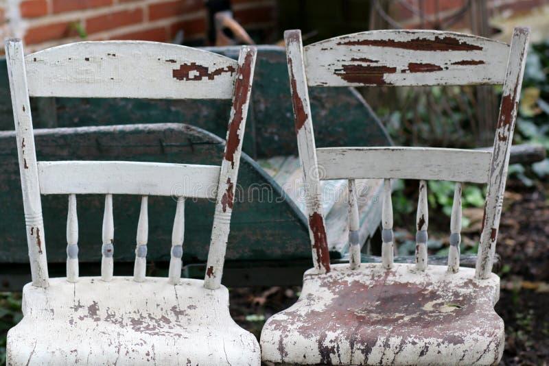 Vendita Stock Sedie Legno.Foto Stock E Immagini A Tema Due Sedie Antiche Scarica 29 Foto