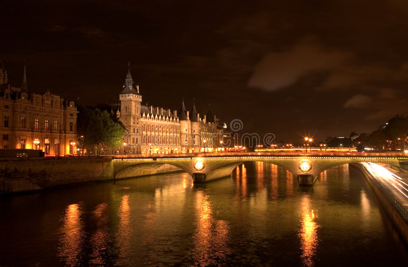 Le Seine par Night image libre de droits