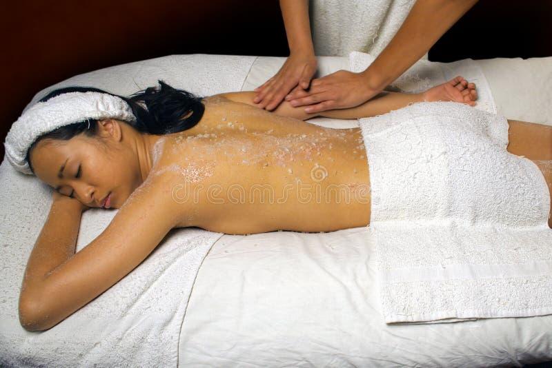 Le sel de mer frottent le frottement de massage images stock