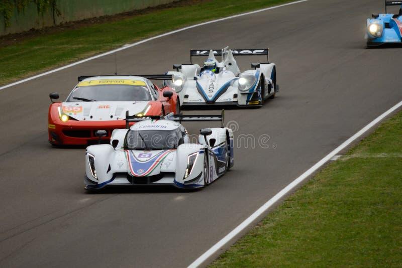 Le serie di Le Mans dell'europeo seguono l'azione al circuito di Imola fotografie stock libere da diritti