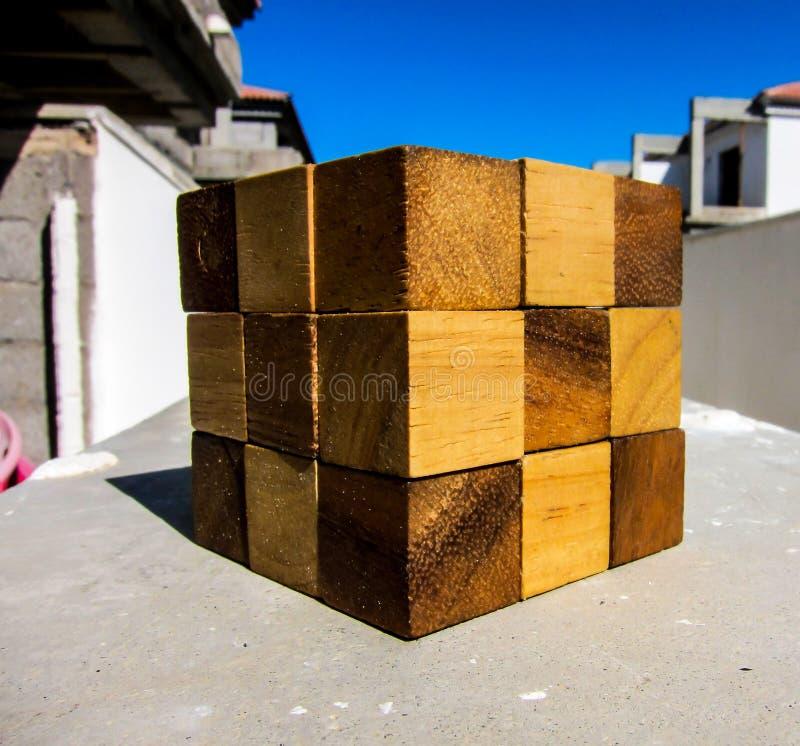 le serpent de Rubick en bois image libre de droits