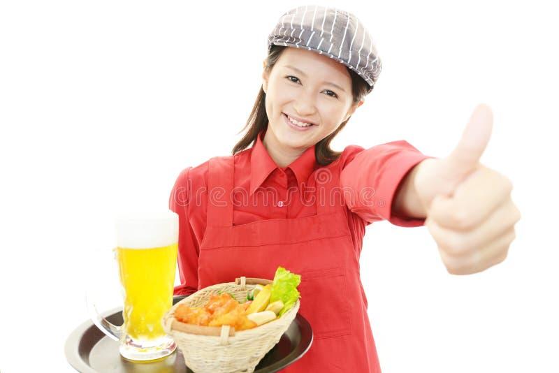 Download Le servitrins fotografering för bildbyråer. Bild av kaffe - 37347813