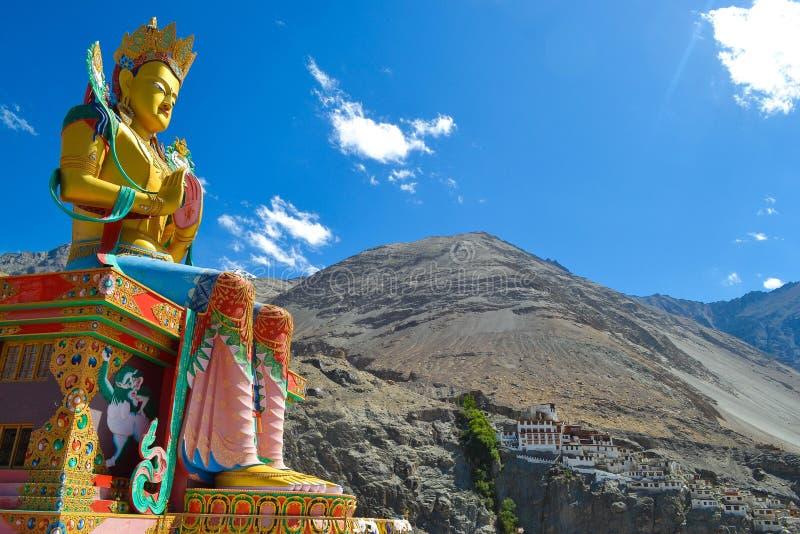 Le shakyamuni Bouddha d'un dieu de peacefull images libres de droits