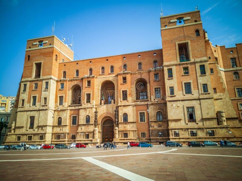 Le siège de bâtiment de gouvernement de la préfecture à Tarente Italie photo stock