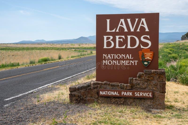 Le signe d'entrée pour Lava Beds National Monument en Californie du nord, permet des visiteurs à image libre de droits