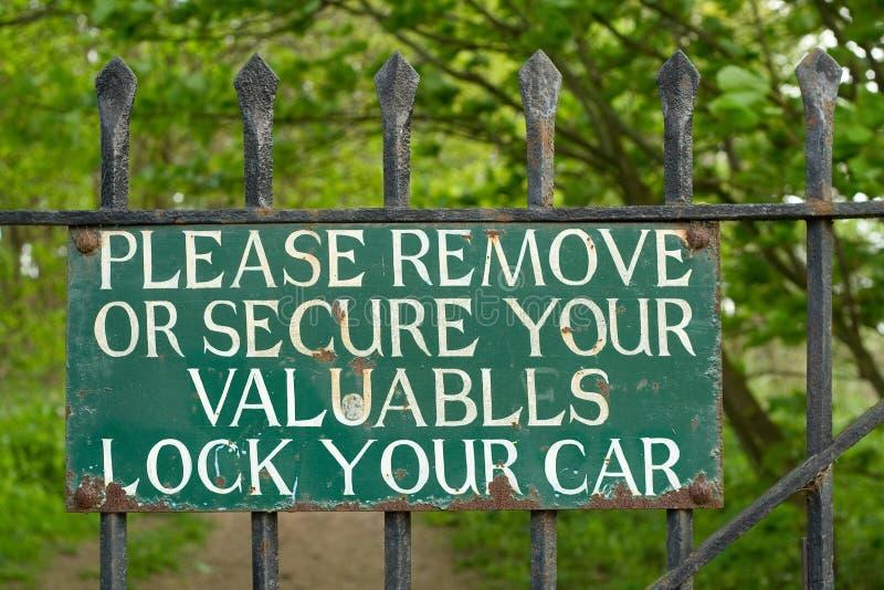 Le signe vert, verrouillent votre véhicule photos libres de droits