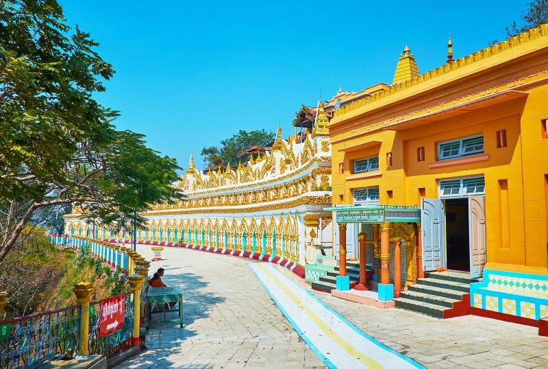 Le site d'U Min Thonze Temple, Sagaing photo stock