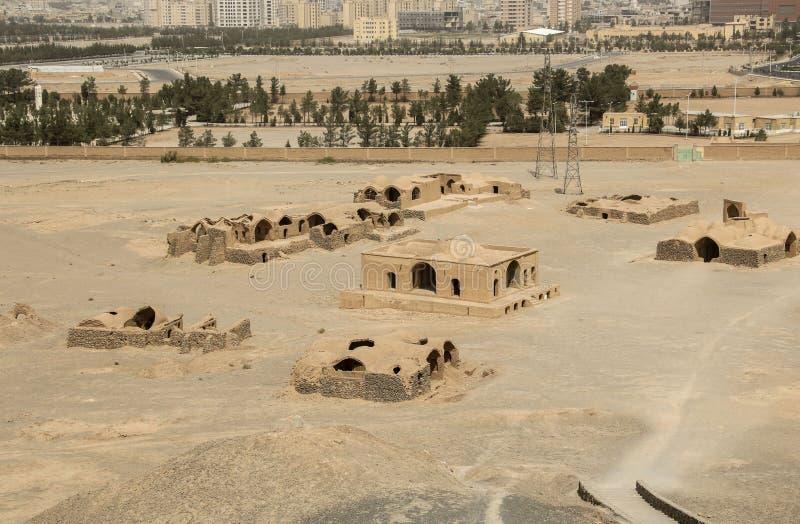Le site des tours du silence Dakhma est l'historique célèbre photographie stock libre de droits