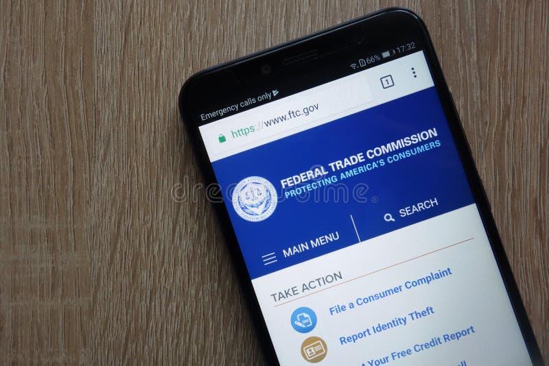 Le site Web de la Commission commerciale fédérale FTC a montré sur un smartphone moderne images stock