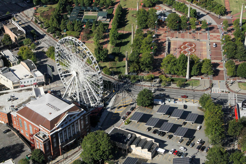 Le Skyview et le parc centennal, Atlanta, GA image stock