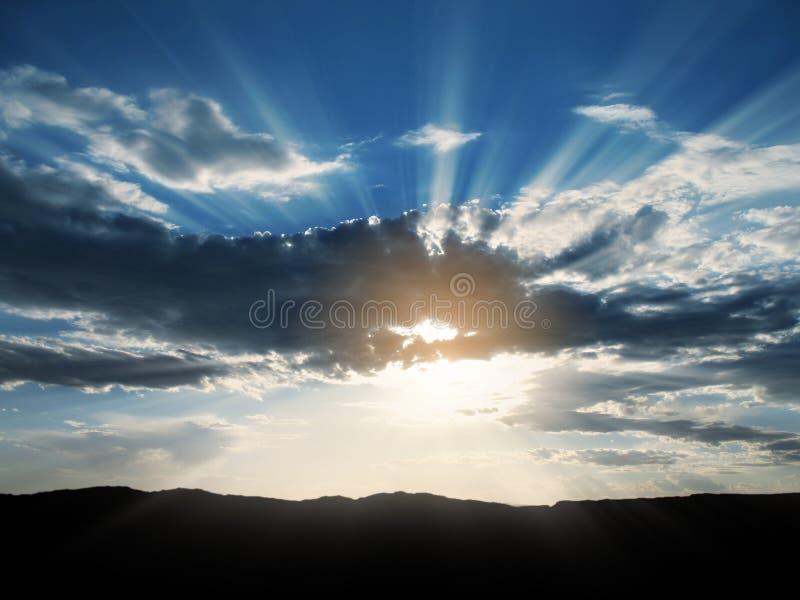 le soleil de 3 rayons de nuages photos stock