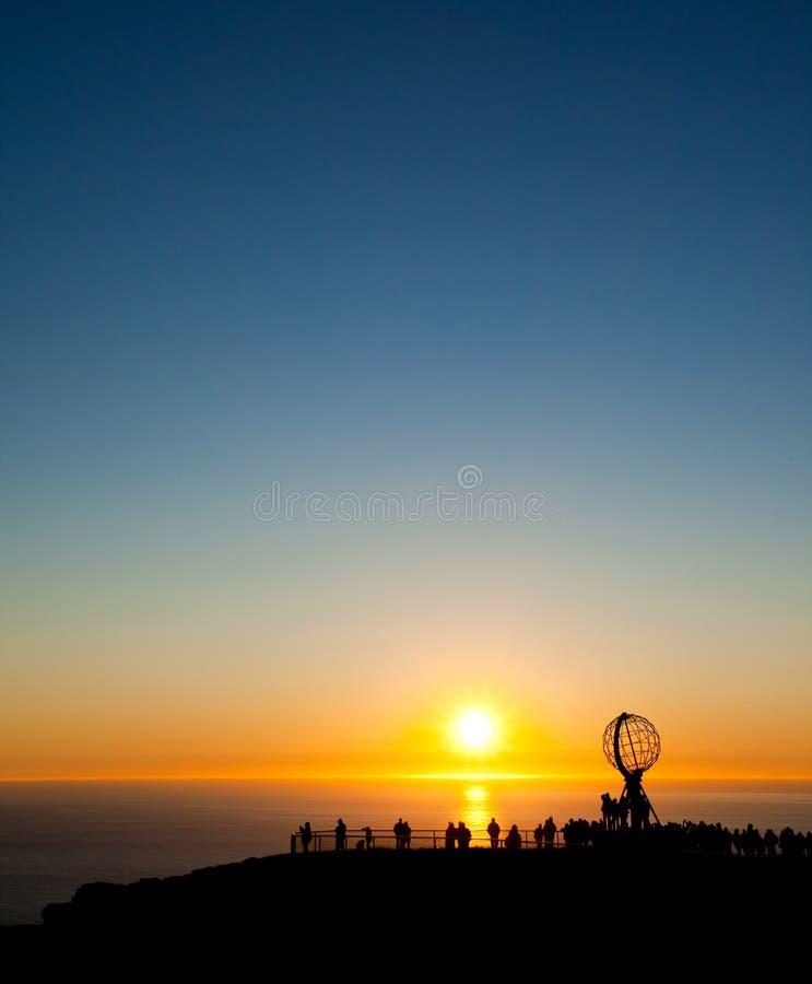 Le soleil de minuit images stock