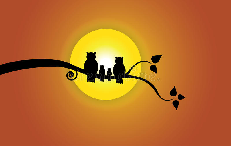 Le soleil de soirée, feuille d'arbre et ciel et silhouette oranges de famille de hibou illustration stock
