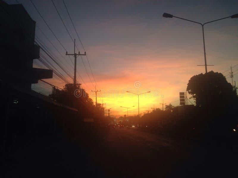 le soleil le soir photos libres de droits