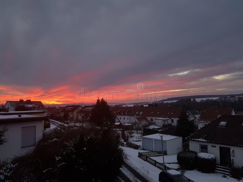 Le soleil rouge photo stock