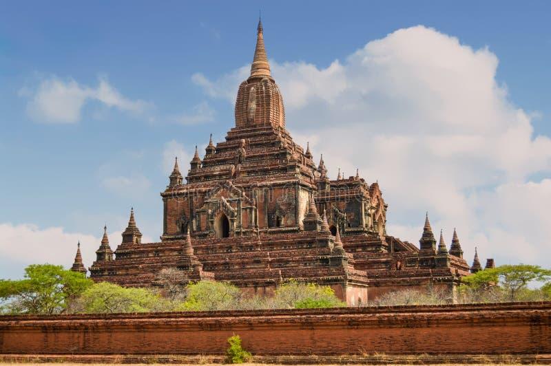 Le sommet du temple Sulamani a une tour indienne images stock