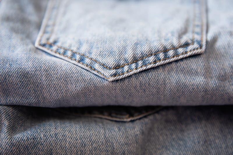 Le sort de texture de blue-jean de denim est la mode classique d'indigo photos stock