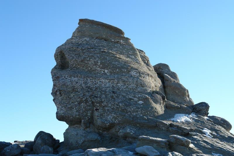 Le sphinx sur les montagnes de Bucegi images stock