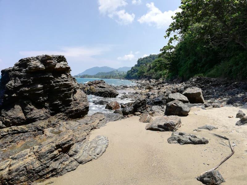Le spiagge più belle del mondo - parte a distanza di Abra de Ilog, Mindoro, Filippine fotografia stock libera da diritti