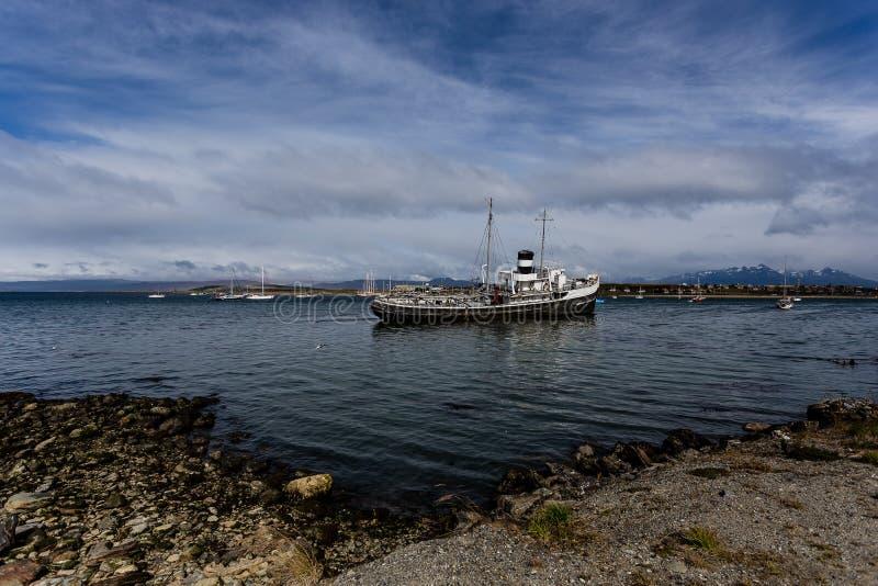 Le St de descente Christopher Tug Boat d'Ushuaia, Argentine photo stock