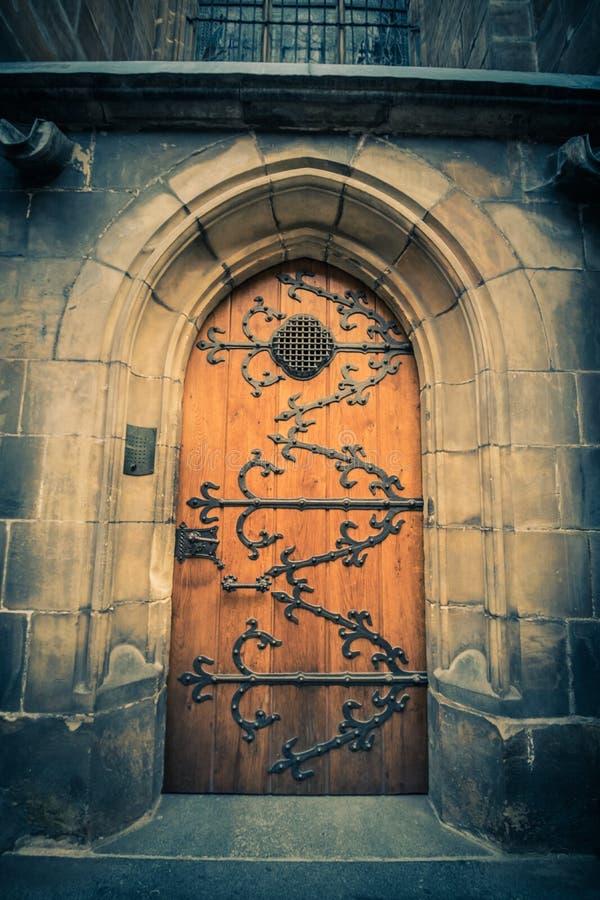 Le St Vitus Cathedral sur le château de Prague en été, République Tchèque image libre de droits