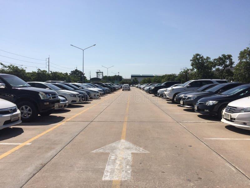 Le stationnement de véhicule photographie stock libre de droits