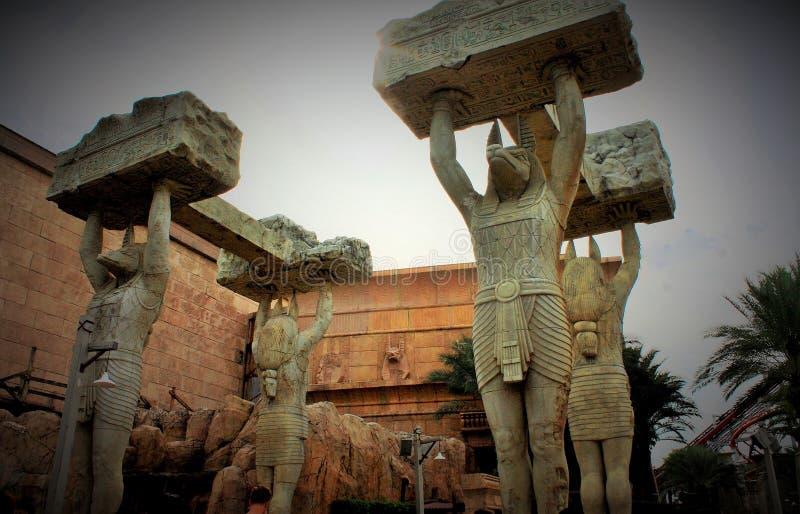 Le statue egiziane agli studi universali Singapore fotografie stock libere da diritti