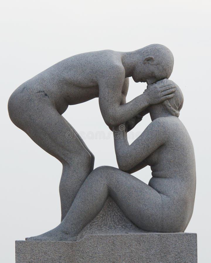 Le statue nella sosta di Vigeland a Oslo, sosta di Norway immagine stock libera da diritti