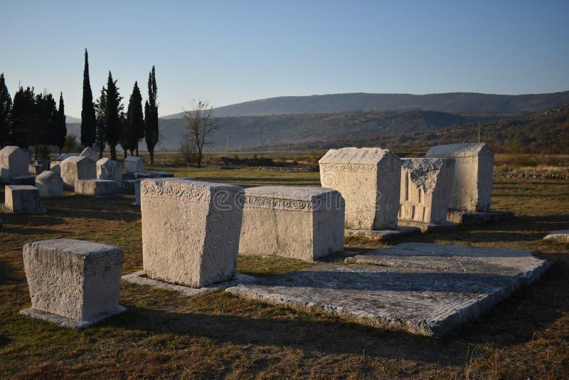 Le stecci célèbre dans la nécropole médiévale de Radimlja photos stock