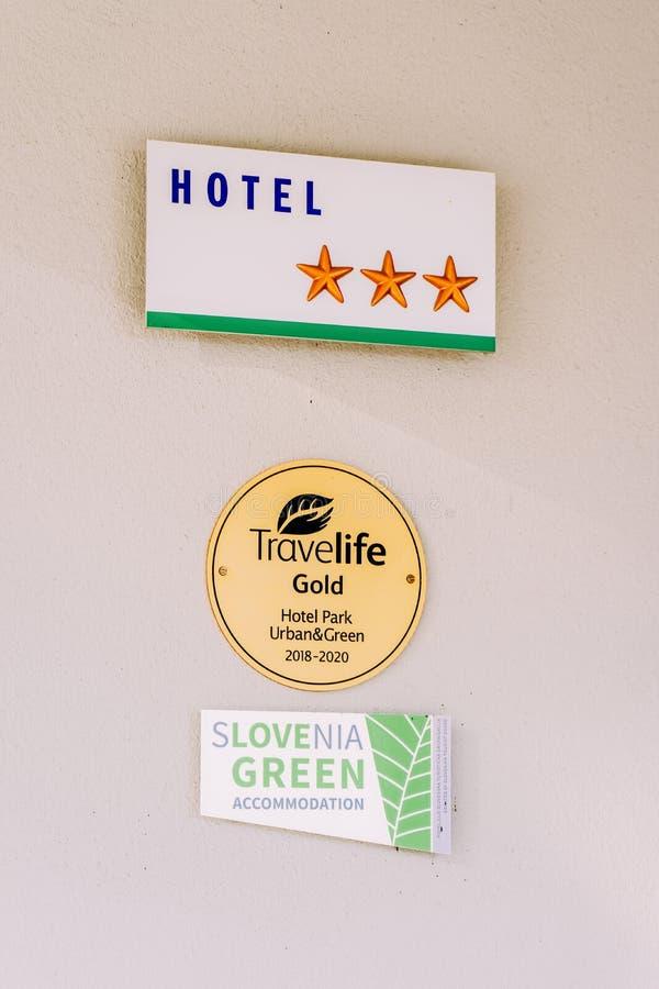 Le stelle dell'hotel firmano dentro Transferrina fotografie stock