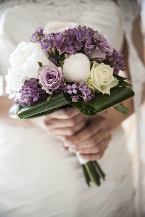 Le stilllife de bouquet de mariage fleurit la fleur image stock
