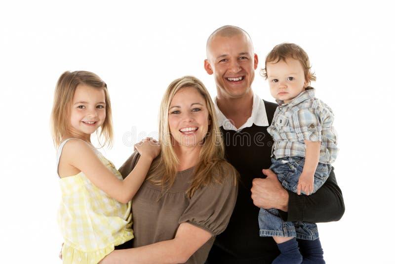 Le studio a tiré du groupe de famille dans le studio image libre de droits