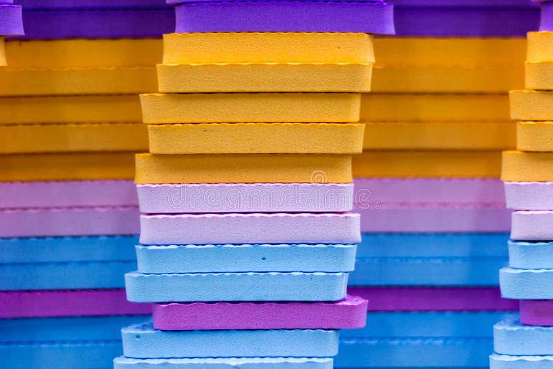 Le stuoie multicolori di puzzle di EVA Foam hanno impilato fotografia stock libera da diritti