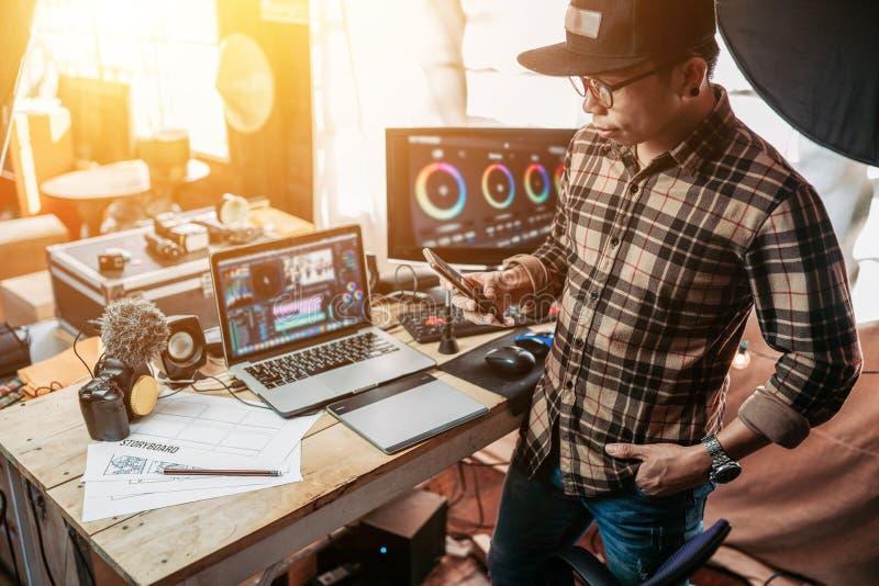 Le style de vie de l'éditeur freelance profite de la création de contenu créateur ou Vlog image libre de droits