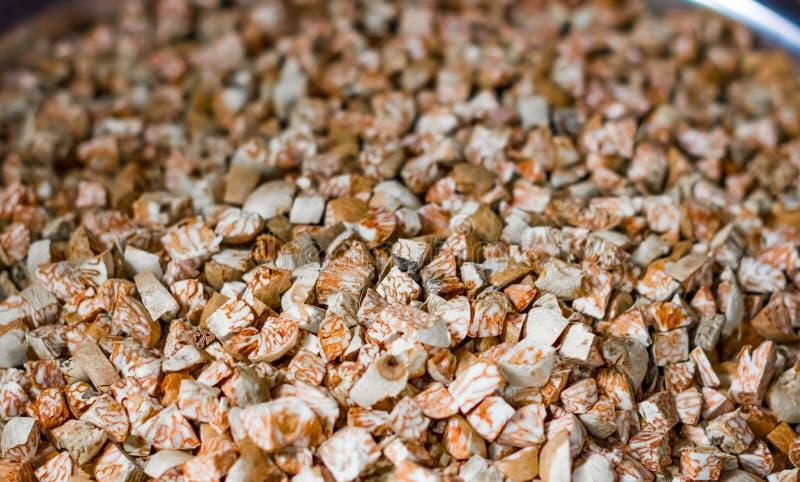 Le supari de noix de bétel a finement coupé en vente sur le marché superbe images libres de droits
