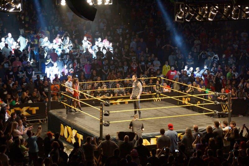Le superstar Baron Corbin de WWE NXT se tient dans l'anneau avant match photos libres de droits