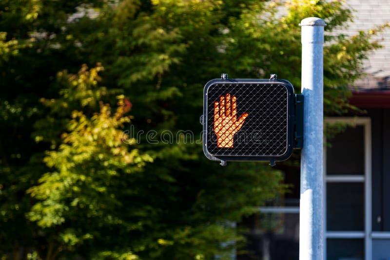 Le symbole de main de passage piéton se connectent un courrier images libres de droits