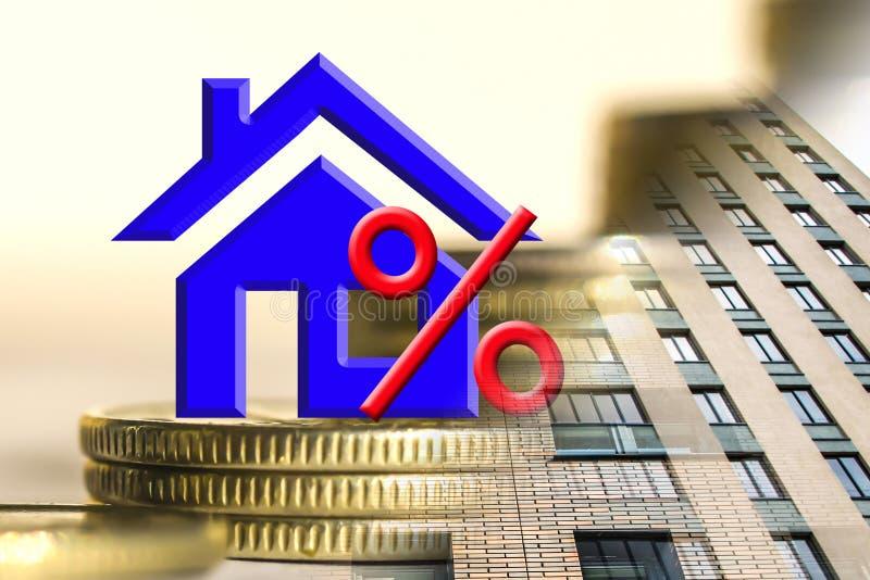 Le symbole de pour cent sur le fond des immobiliers et de l'argent photographie stock libre de droits