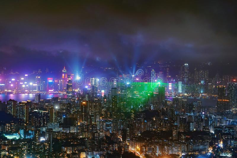 Le symphonie des lumières montrent en Hong Kong Downtown, République de Chine Centres financiers de secteur et d'affaires dans la photos stock