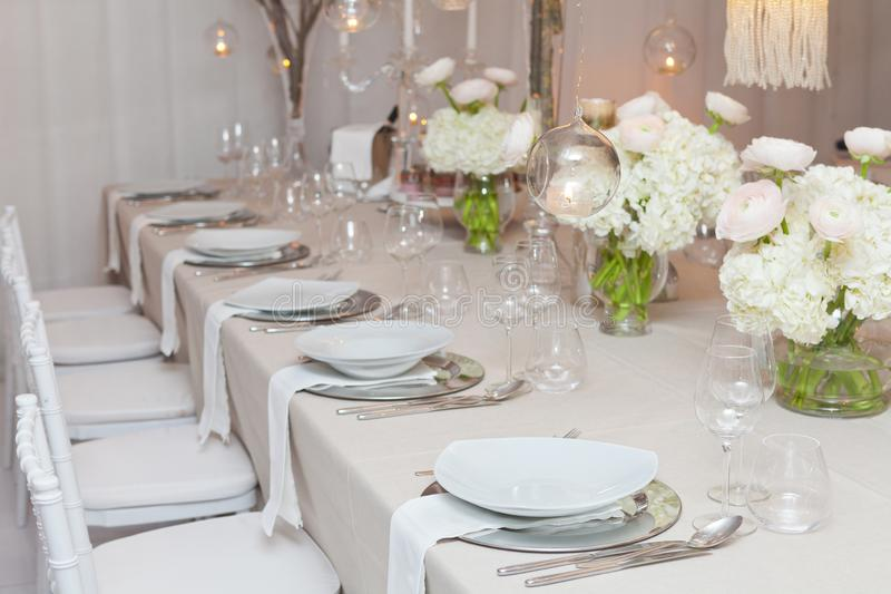 Le Tableau a placé pour une réception de réception ou de mariage d'événement photos stock