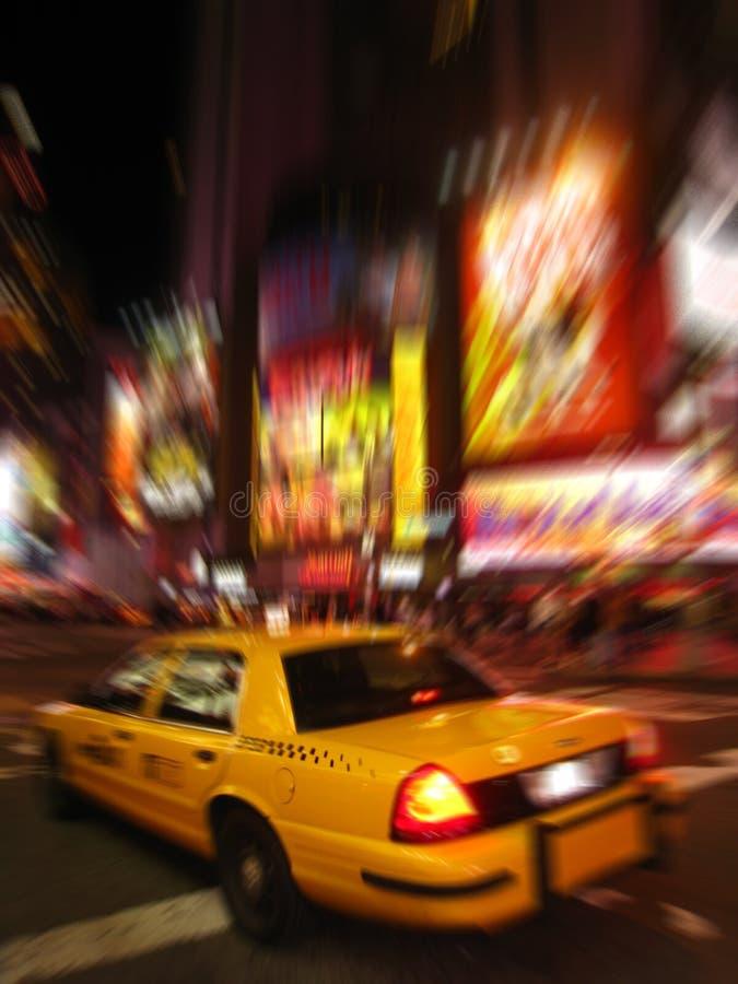 le taxi carré de nuit cale la vue photo stock