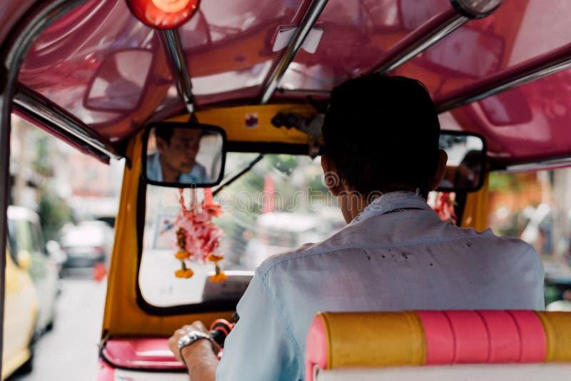 Le taxi de la Thaïlande Tuk-Tuk est un tricycle photos stock