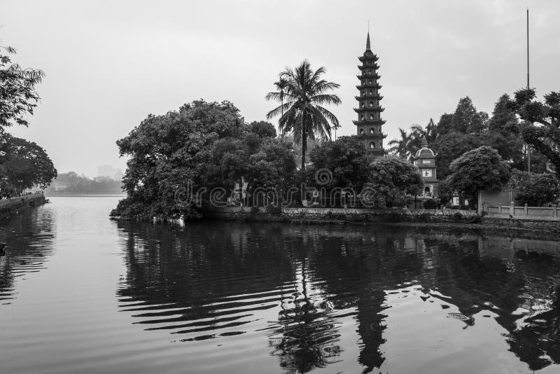 Le temple de quoc de tran de chua à Hanoï, Vietnam photographie stock