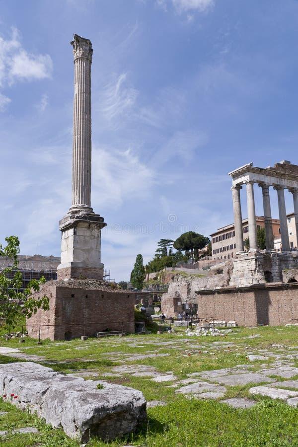 Le temple de Saturne et fléau de Phocas image stock