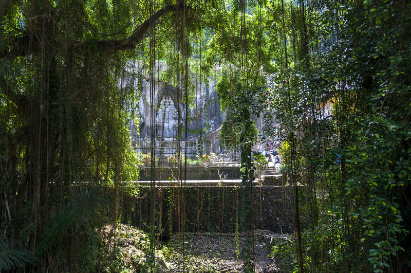 Le temple perdu dans la jungle photo stock
