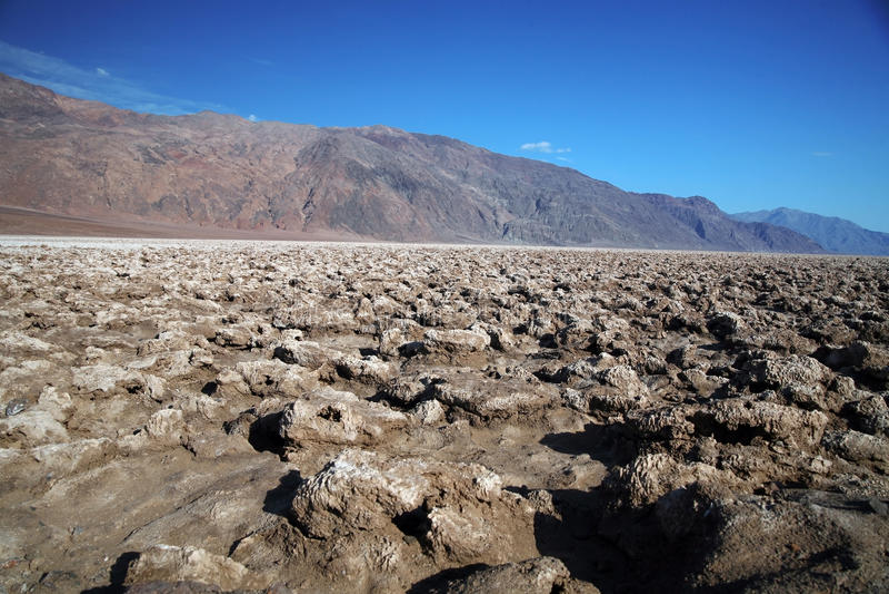 Le terrain de golf du diable, parc national de Death Valley, la Californie, Etats-Unis image libre de droits