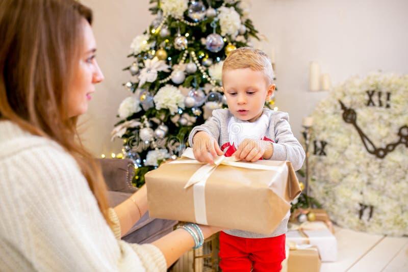 Le thème de nouvelle année et de Noël images libres de droits